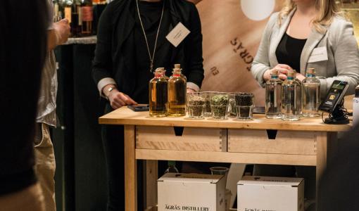 Suomalainen pientislaamo joukkorahoituksella kohti ulkomaan markkinoita / Ett finskt destilleri startar en crowdfunding runda för att expandera internationellt