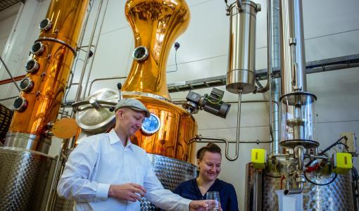 Pientislaamo Ägräs Distilleryn joukkorahoitus on ollut huima menestystarina ja kerännyt jo yli 300 000 €
