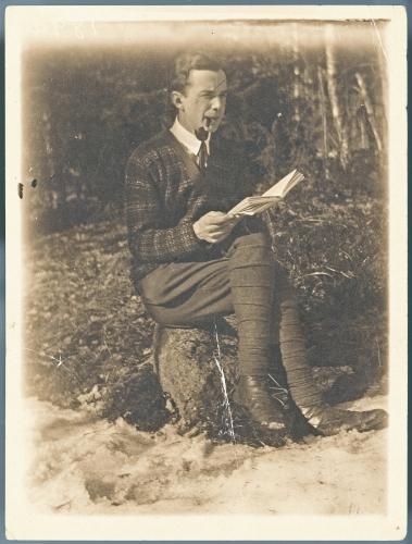 2-henry-parland-1927.-foto-svenska-litteratursallskapet-i-finland-henry-parlands-arkiv.-okand-fotograf.-portratt.jpg
