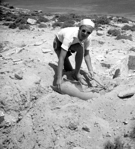 goran-schildt-gor-arkeologiska-fynd-i-tharros-1949_portatt.jpg