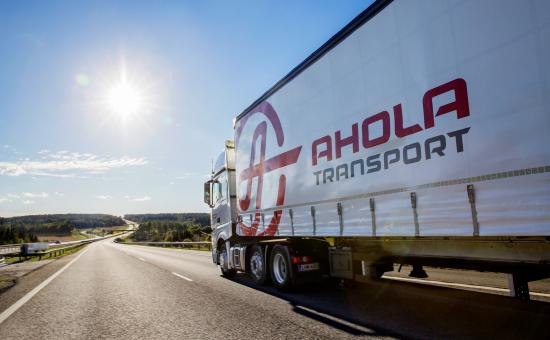 ahola-transport-green-wheels-4.jpg