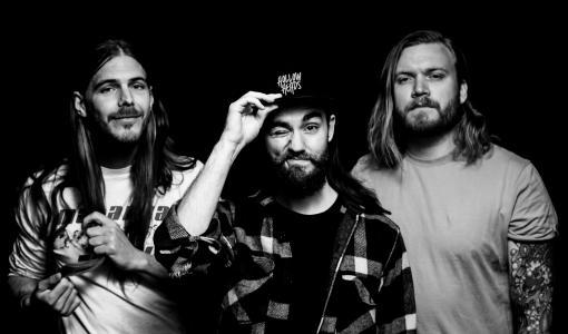 Hollow Heads knockar lyssnaren med refrängstark debutplatta