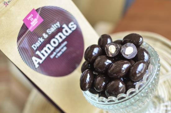 dark-and-salty-almonds02.jpg