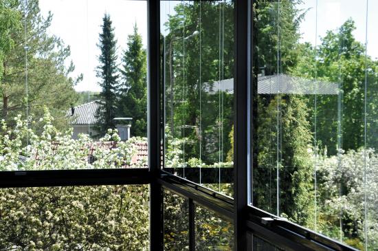 lumon-innglassing-utside-av-balkong.jpg