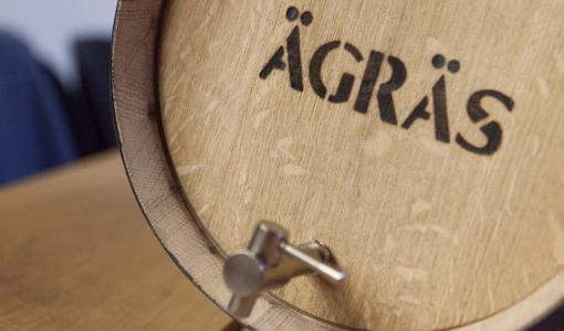 Historian ensimmäiset Ägräs Distilleryn viskitynnyrit myyntiin
