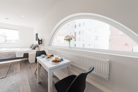 serviced-apartments-living.jpg